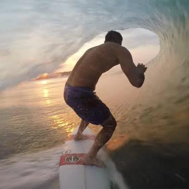 Ben Bourgeois dans un tube parfait au Nicaragua